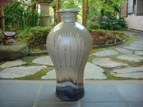 63 瓶子型花器