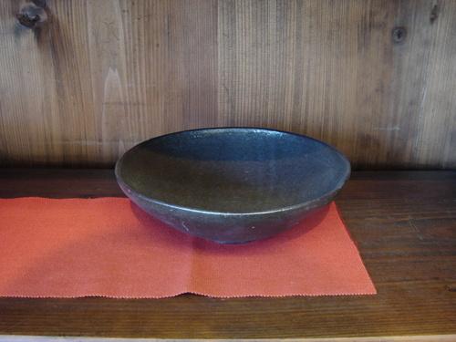 56 黒浅鉢